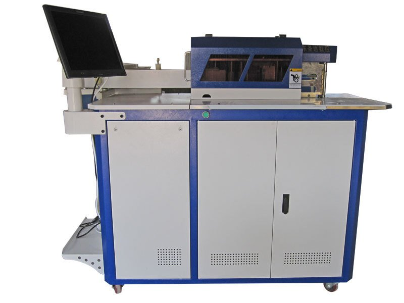 ЧПУ-станок для изготовления объемных букв